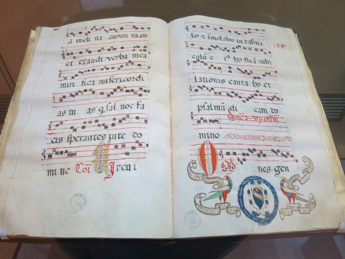Päiväohjelma ja rukoushetki luostarissa