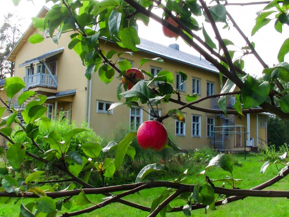 In the monastary garden. Kuva: Ulla-Riitta Kautonen