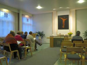 Hiljaisuuden retriitti - rukous kappelissa - kilvoittelua
